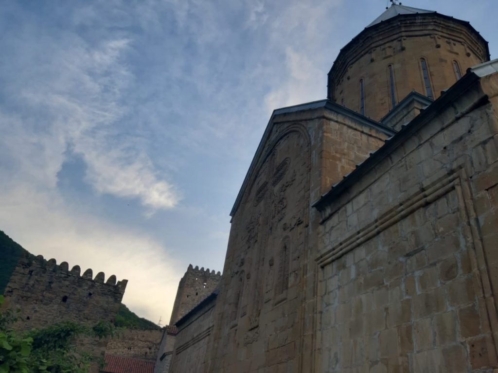 крепость Ананури, пейзажи Грузии